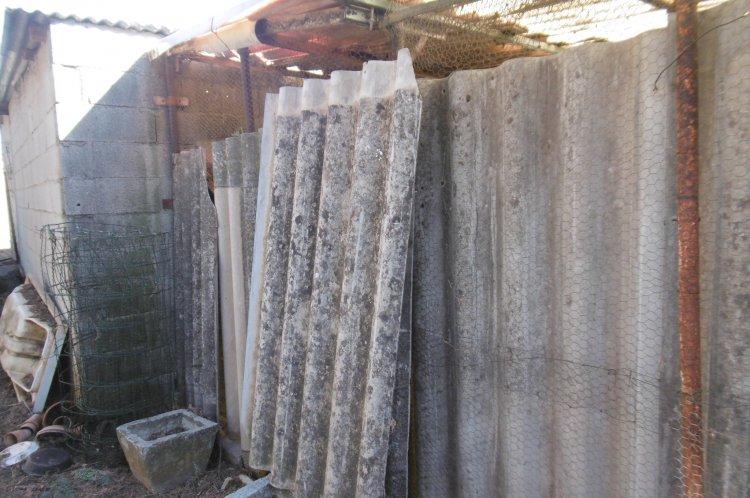 Dépot de tôle ondulée fibro ciment